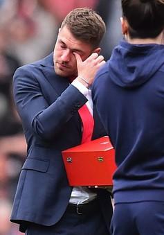 """""""Phản đồ"""" Arsenal bật khóc tức tưởi trong ngày chia tay CLB"""