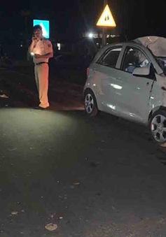 Hai vợ chồng tử vong sau khi va chạm với ô tô