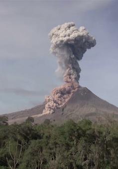 Indonesia cảnh báo nguy hiểm do núi lửa phun trào