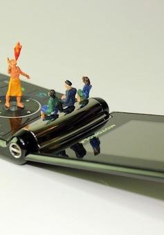 """Nhận ngay 23 triệu đồng, nếu bỏ smartphone để dùng điện thoại nắp gập """"đồ đá"""" trong 1 tuần: Bạn có dám?"""