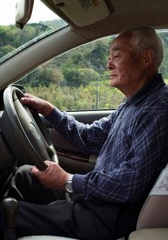 Nhật Bản cấp giấy phép lái xe riêng cho người cao tuổi