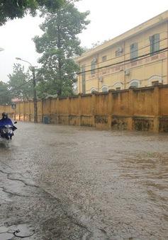Cảnh báo 13 điểm ngập úng trong thành phố Hà Nội