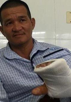Cứu bàn tay bị đứt gân cho một hiệp sĩ đường phố