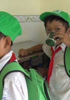 Trao tặng Nhà vệ sinh học đường tại Bình Thuận