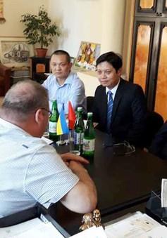 Đại sứ Việt Nam tại Ukraine thăm và làm việc tại thành phố Chernivtsi