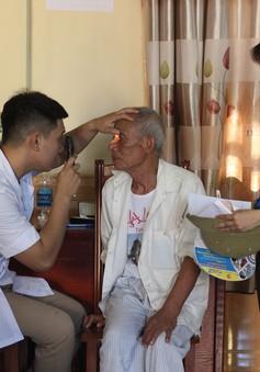 Khám bệnh và phát thuốc miễn phí cho hàng trăm người có hoàn cảnh khó khăn