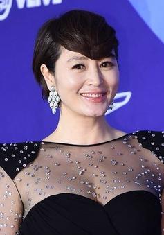 Kim Hye Soo tuyên bố cắt đứt mối quan hệ với mẹ ruột sau nợ nần chồng chất