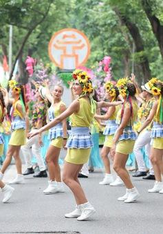 Sôi động Carnival đường phố Hà Nội