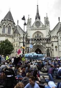 Biểu tình chống biến đổi khí hậu tại nhiều thành phố của Anh
