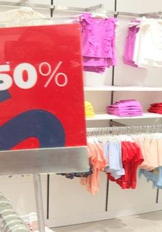 Giảm giá đến 50% các mặt hàng thời trang