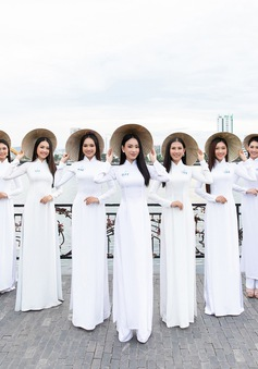 """Thí sinh Miss World Việt Nam diện áo dài, nón lá """"check-in"""" khắp Đà Nẵng"""
