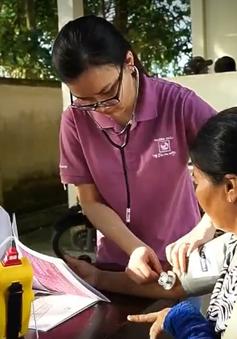 Khám bệnh miễn phí cho 200 phụ nữ nghèo ở Cần Thơ