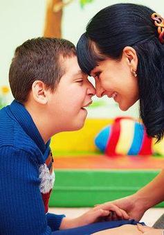 Nồng độ estrogen cao của người mẹ liên quan đến bệnh tự kỷ ở trẻ