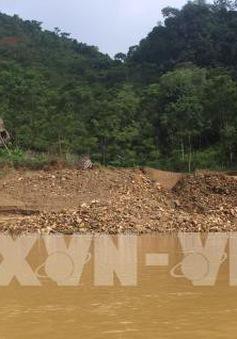 Xuất hiện nhiều vết nứt có nguy cơ sạt lở tại Nghệ An
