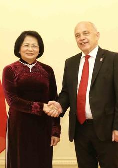 Phó Chủ tịch nước Đặng Thị Ngọc Thịnh hội kiến Tổng thống Thụy Sĩ