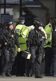 Anh bắt giữ nữ nghi can khủng bố nước ngoài