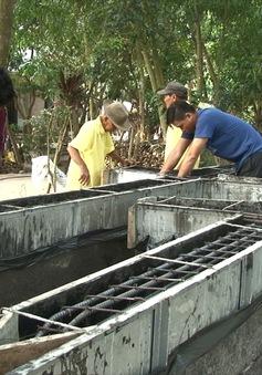 Đội xây cầu từ thiện của những lão nông Đồng Tháp