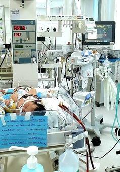 Trẻ sơ sinh nguy kịch vì hít phân su từ trong bụng mẹ