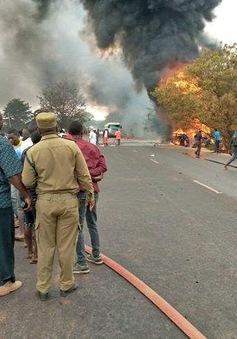 """Nổ xe bồn khiến gần 60 người """"hôi dầu"""" chết cháy ở Tanzania"""
