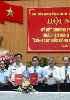 Cảnh sát Biển Việt Nam đồng hành với ngư dân vươn khơi, bám biển