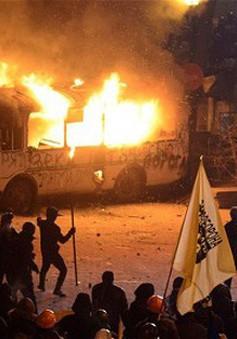 Lý do bạo lực gia tăng từ các nhóm cực hữu cực đoan