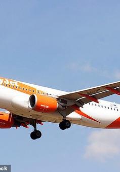 Hãng hàng không lập tức đình chỉ công tác với phi công có ý định tự tử