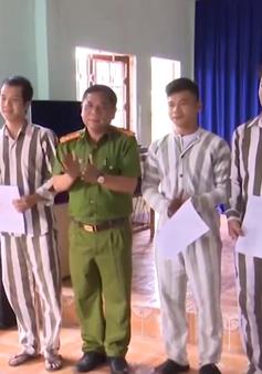 Trại giam công an thành phố Đà Nẵng công bố quyết định tha tù trước thời hạn dịp 2/9