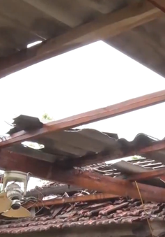 Ảnh hưởng hoàn lưu trước bão số 4: 41 nhà dân tại Hà Tĩnh bị tốc mái