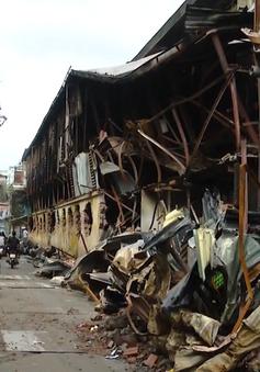 Vụ cháy nhà máy Rạng Đông: Người dân phường Hạ Đình vẫn sinh hoạt bình thường sau khuyến cáo