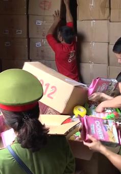 Thu giữ 50 tấn hàng hóa, đồ chơi trẻ em nghi nhập lậu