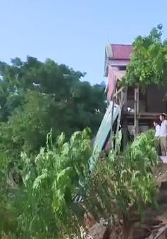 Sạt lở ven sông Gianh Quảng Bình