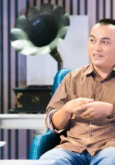 """Nhạc sĩ Yên Lam """"mách"""" các ông bố bà mẹ cách trị việc nghiện điện thoại của con trẻ"""