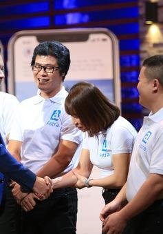 """Shark Tank Việt Nam: Shark Hưng """"chơi lớn"""" rót 1 triệu USD cho startup mạng xã hội du lịch dù chưa ra mắt"""