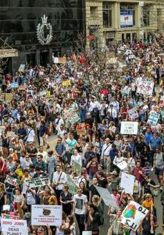 Thế giới bắt đầu Ngày Biểu tình chống biến đổi khí hậu lớn nhất lịch sử