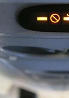 Hút thuốc trên máy bay, 2 nam hành khách bị phạt 4 triệu đồng/người