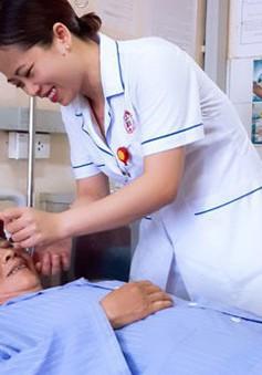 Chăm sóc mắt sau phẫu thuật thay thủy tinh thể
