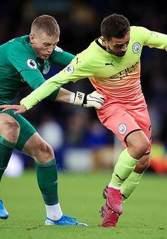 Thua mà vẫn cười, sao tuyển Anh bị huyền thoại Man Utd chỉ trích thậm tệ