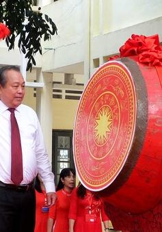 PTTg Trương Hòa Bình đánh trống khai giảng năm học mới tại Thanh Hóa