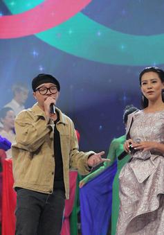 """Hà Lê - Bùi Lan Hương say đắm trên sân khấu VTV Awards với """"Mưa hồng"""""""