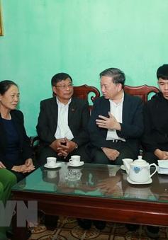 Bộ trưởng Tô Lâm thăm hỏi, chia buồn gia đình cán bộ chiến sỹ hy sinh tại Đồng Tâm
