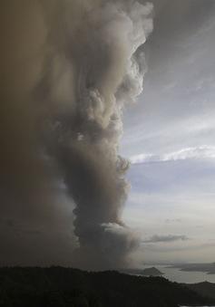 Philippines: Tro bụi núi lửa làm tê liệt ở thủ đô Manila