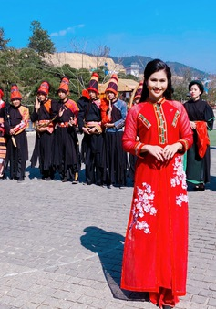 BTV Minh Trang: Chiều cuối năm ở nóc nhà Đông Dương