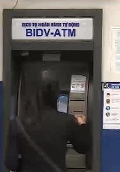 Thói quen rút tiền mặt từ ATM của người dân thay đổi