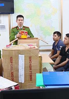 Bắt lượng lớn xì gà, pháo ở Hà Nội