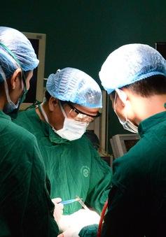 Loại bỏ khối u giáp di căn xâm lấn vào khí quản