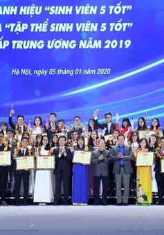 Sinh viên Việt Nam khẳng định hoài bão đẹp