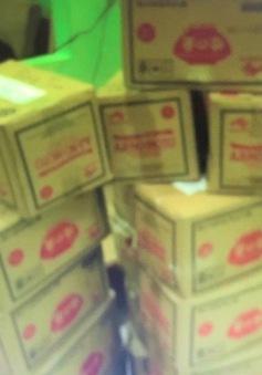 """Thu giữ hơn 1 tấn bột ngọt nghi giả nhãn hiệu Ajinomoto sắp """"tuồn"""" bán"""