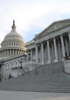 Được cấp tiền ở phút chót, Chính phủ Mỹ thoát cảnh bị đóng cửa