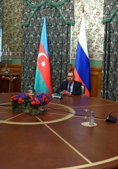 Armenia và Azerbaijan nhất trí ngừng bắn