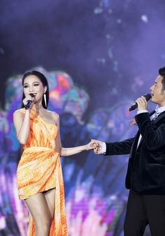 Bằng Kiều tái ngộ Hiền Thục trên sân khấu Bán kết Hoa hậu Việt Nam 2020